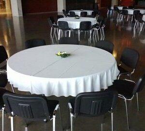 Pöytäliina pyöreä pöytä