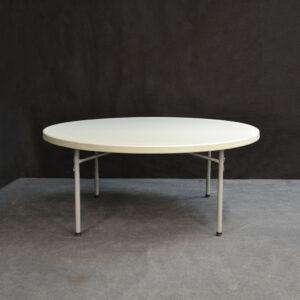 iso_pyöreä_pöytä 180cm_vuokrakaluste