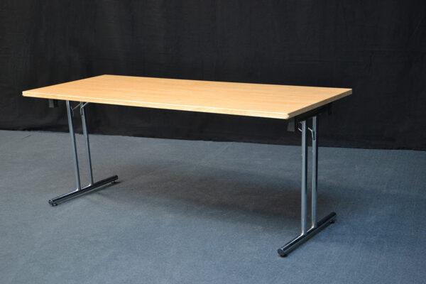 pöytä-outlet-vuokrakaluste