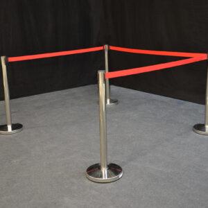 kulunohjain-punainen-metallinen-vuokrakaluste