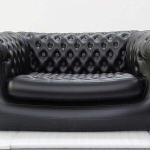 Musta sohva_ vuokrakaluste