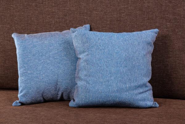 Kahden istuttva sohva
