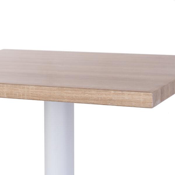 neliskanttinen pöytä