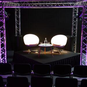 eollinen-osasto-L-koko-messupaketti-vuokrakaluste-tuolit